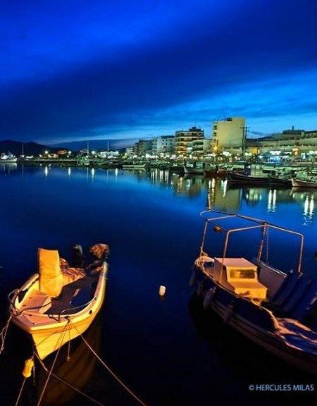 Karystos town, Evia Island / photo by Hercules Milas