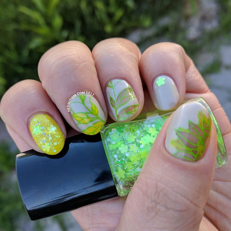 Nude and Neon - Hermit Werds - uses bare nail technique