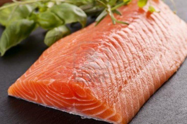 Conoce los múltiples beneficios del Salmón http://elcorset.com/conoce-los-multiples-beneficios-del-salmon/
