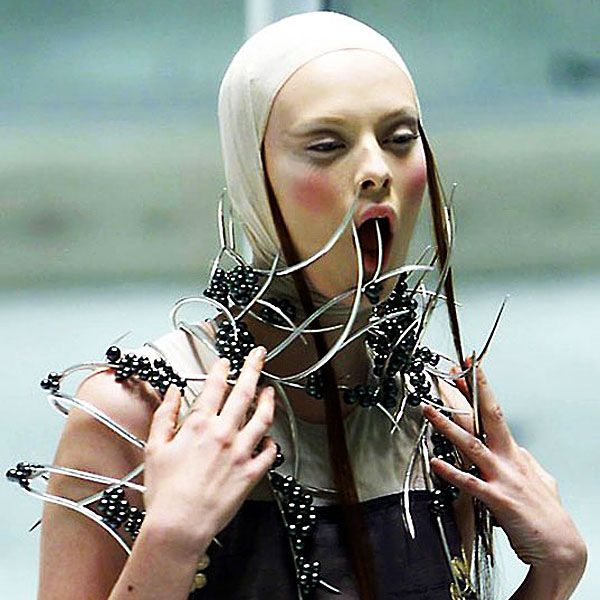 Shaun Leane Remembers Alexander McQueen | Hint Fashion Magazine