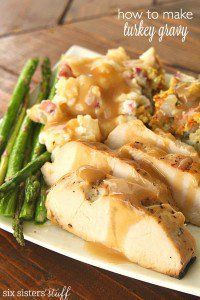 How To Make Turkey Gravy from Scratch on SixSistersStuff.com