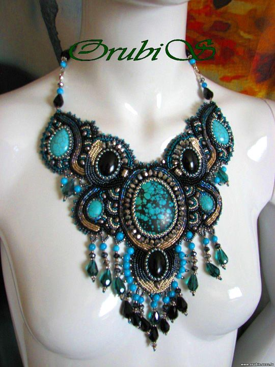Amazing embroidered jewellery by Orubis | Beads Magic