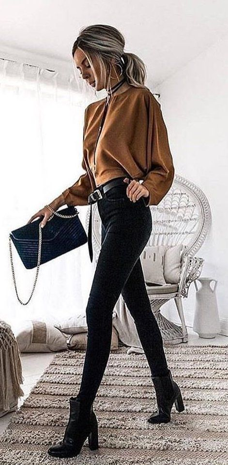#fall #outfits  women's brown long-sleeved shirt and black skinny jeans #casualwinteroutfit