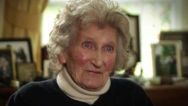Queen's cousin Margaret Rhodes dies - BBC News