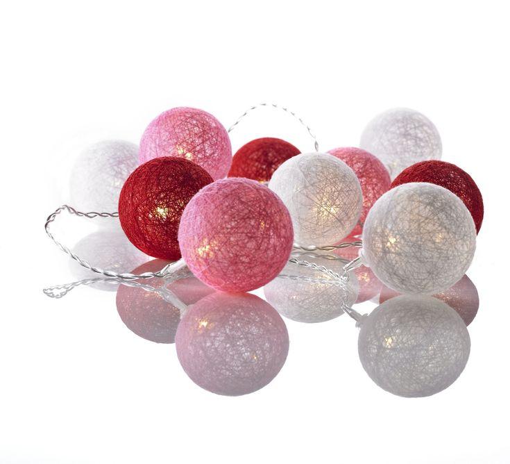 Köp Markslöjd Ljusslinga med Bollar Twix Rosa | Barnrummet Belysning | Jollyroom