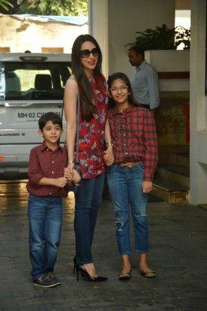Kareena Kapoor and Karishma Kapoor Look Smoking Hot At Shashi Kapoor's Christmas Party In Mumbai-2 Sexy and Hot Indian Actress and Model