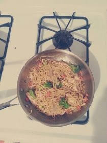 My Joy of Cooking: {15 Minute} Chicken Chow Mein