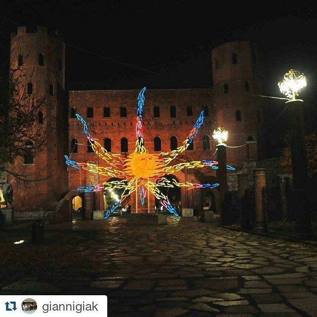 #Repost giannigiak #into Porte Palatine by night