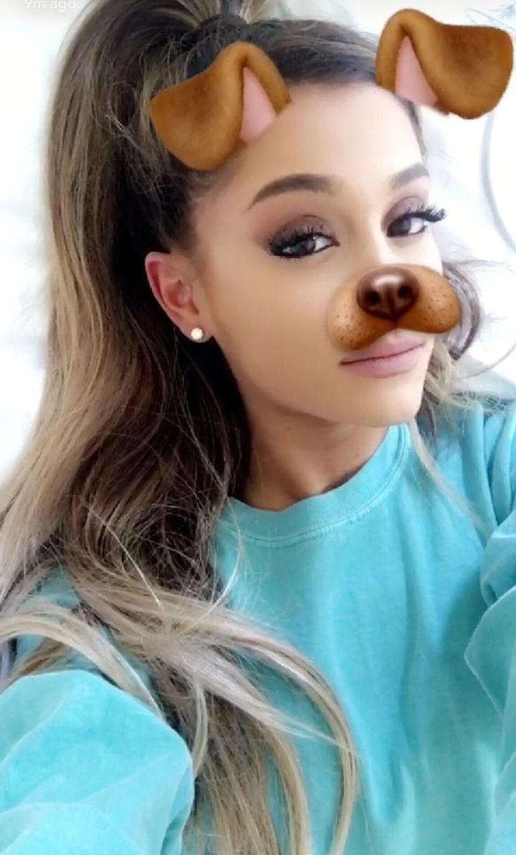 I can write a song on my new piano ariana