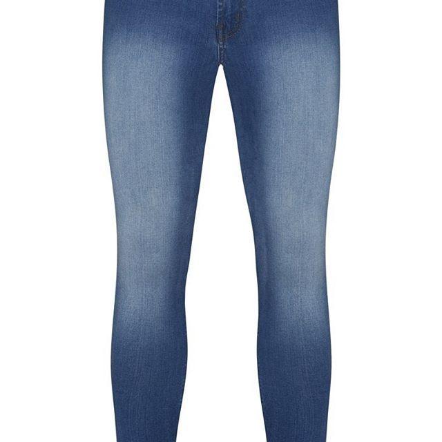 Blue Jean con efecto desgastado  Categoría:#pantalones_hombre #pantalones_largos_hombre #primark_hombre #ropa_de_hombre en #PRIMARK #PRIMANIA #primarkespaña  Más detalles en: http://ift.tt/2Gr8R8c