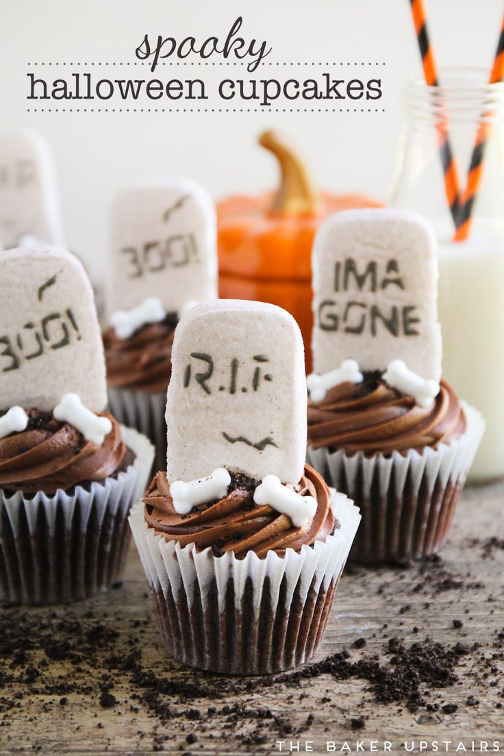 spooky halloween cupcakes rich moist chocolate cupcakes decorated with a to die