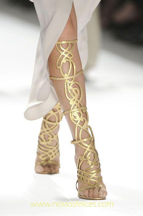 Sandalias doradas de fantasía