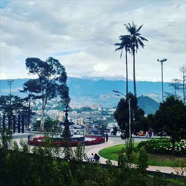Ojo al nevado... 👌🗻 vía @camilo1948  #ManizalesSinFiltro  #Manizales