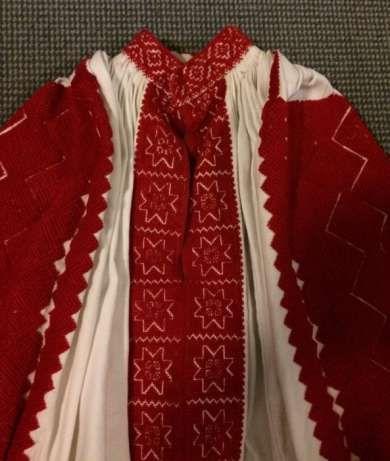 Traditional Romanian blouse from Padureni