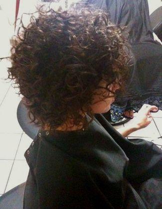curly hair cut, San Antonio rawahairstudio.com  curly hair pros
