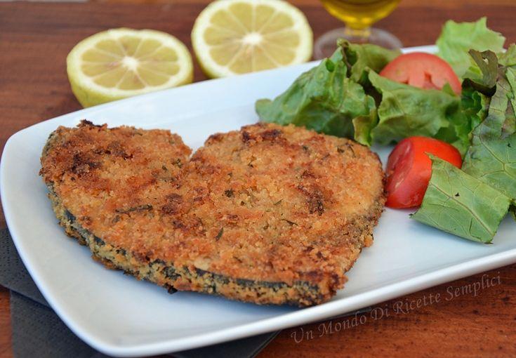 Il pesce spada impanato ha un gusto strepitoso,la panatura croccante fuori e il pesce morbido dentro lo rendono un secondo piatto assolutamente unico.