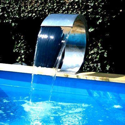 17 best images about eau on pinterest dubai edinburgh and wall aquarium - Cascade d eau piscine ...