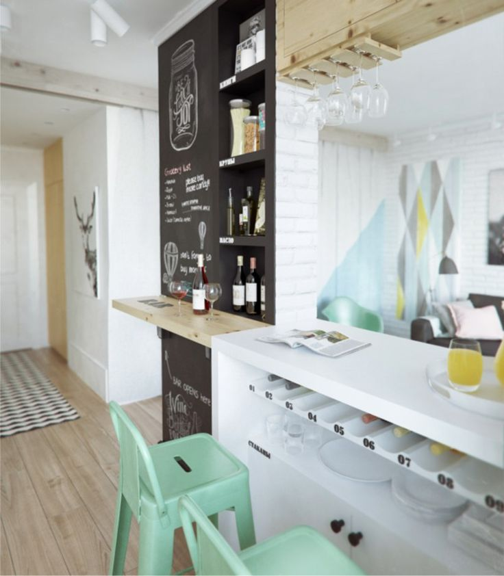 Барная стойка в нише перегородки на кухне в стиле кафе