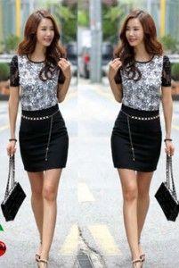 Black Flowy Set Bahan: Kaos Spandek ( Atasan + Rok Bahan Kaos Spandek ) Size: Lebar/panjang atasan: 45/63cm, rok: 30/46cm Kode Produk: R2673 Harga: Rp. 59.000