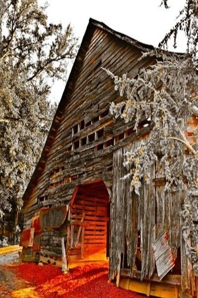 Barn in the Smokey Mountains