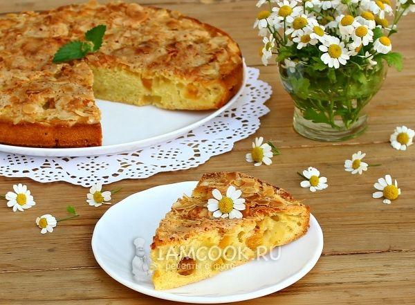 Персиковый пирог с миндалём