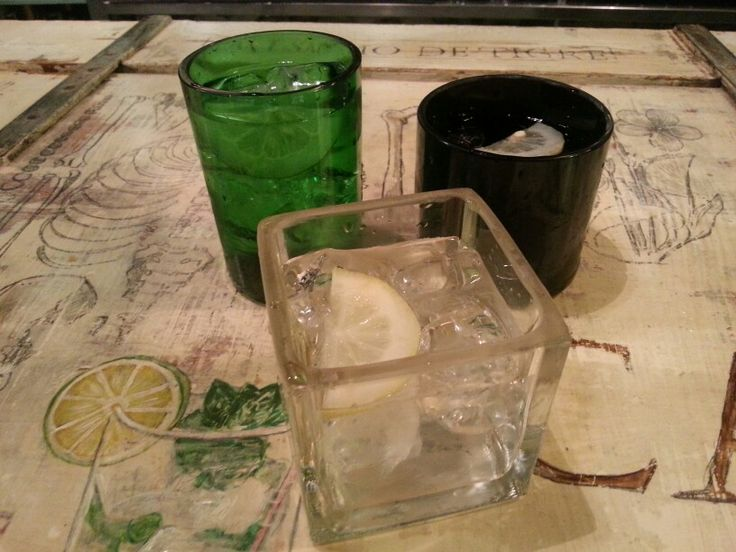 Gintonics served in cut gin bottles by El Laboratorio Valencia