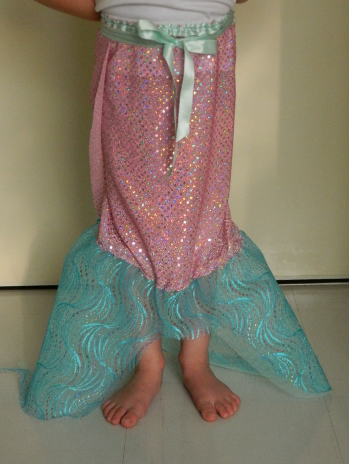 how to make a dress up mermaid tail