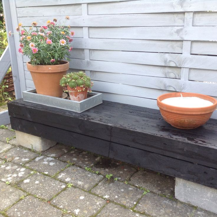 Bench i made of pallets