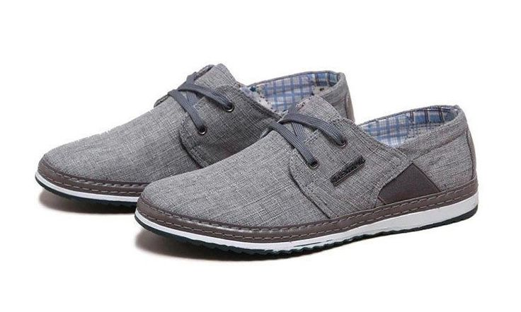Trendy low-top casual shoes for any look Made from canvas Rubber sole Available in 4 colors