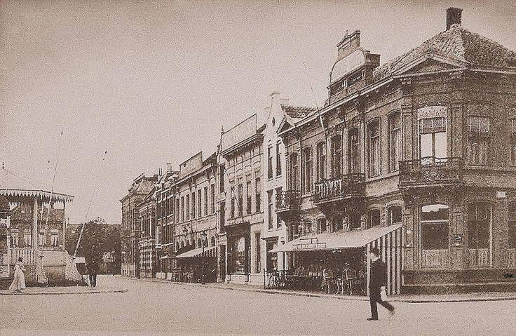 Breda, Stationsplein met het eerste Oranje Hotel.