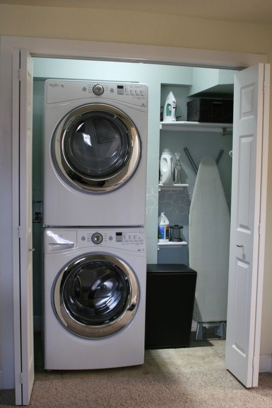 Small laundry room makeover, Love Melinda on Remodelaholic.com #laundry #design