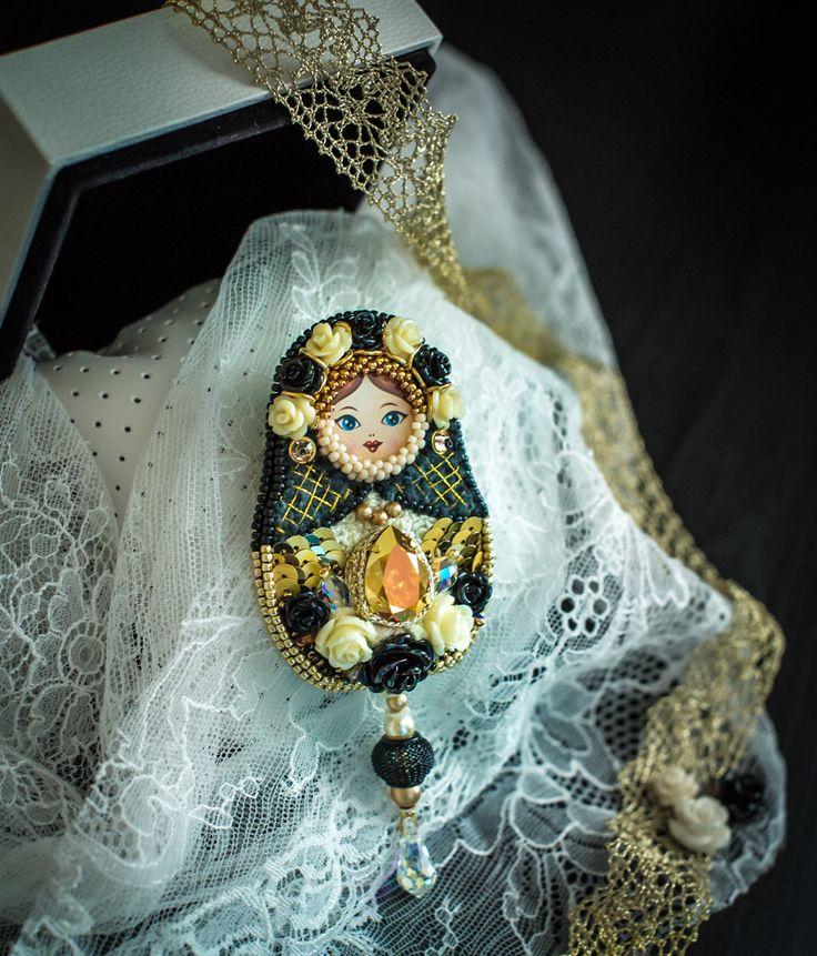 Брошь Матрешка | biser.info - всё о бисере и бисерном творчестве