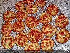Mini - Pizzaschnecken aus Blätterteig, ein schmackhaftes Rezept aus der Kategorie Backen. Bewertungen: 18. Durchschnitt: Ø 4,1.