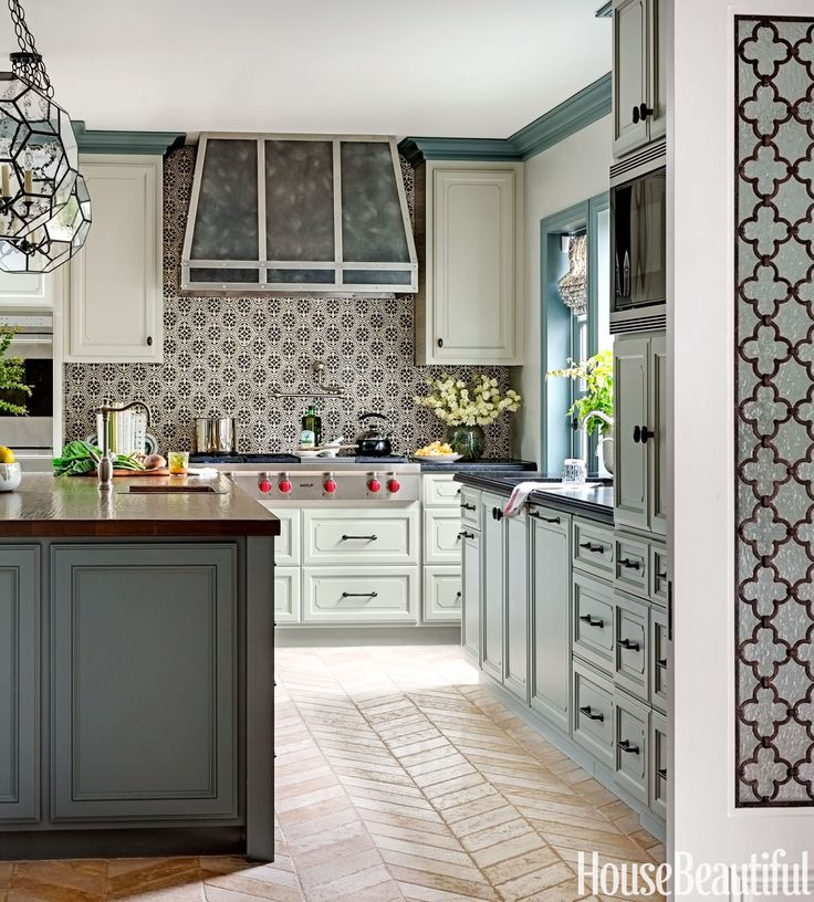 Tour an Expansive Kitchen With California Cool Style  - HouseBeautiful.com