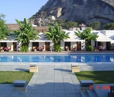 Rawla Narlai, Rajasthan: Indulge in the famous Rohet /Village Safaris imbibing culture and royalty; eat splendid food on picnics and bird watching, where everything makes for regal odysseys