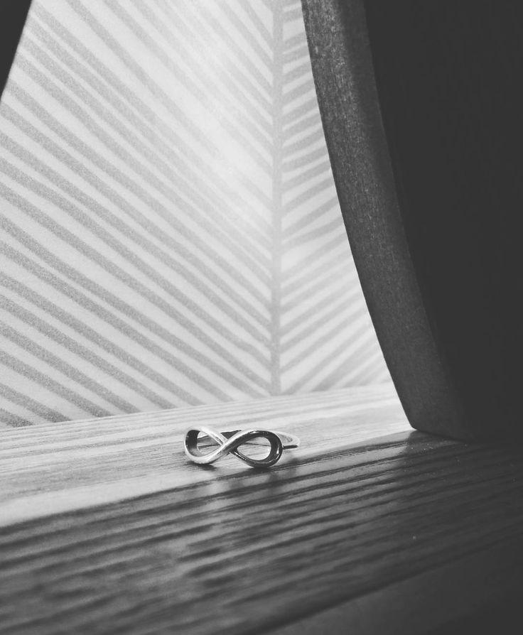 Бесконечная любовь к бесконечности 😍 символ вечности, мудрости и гармонии. Наличие и размеры уточняйте WhatsApp & Viber +79175583777 и звоните +79055964444 #кольцо #серебро #ручнаяработа #москва #greymetal #gm #silver #handmade #moscow #ring #колечко #подарок #серебряноекольцо #красота #рука #сердце #любовь #этника #кольцонафалангу #осень #бесконечность #знак #символ #гармония #вечность #Знакбесконечность