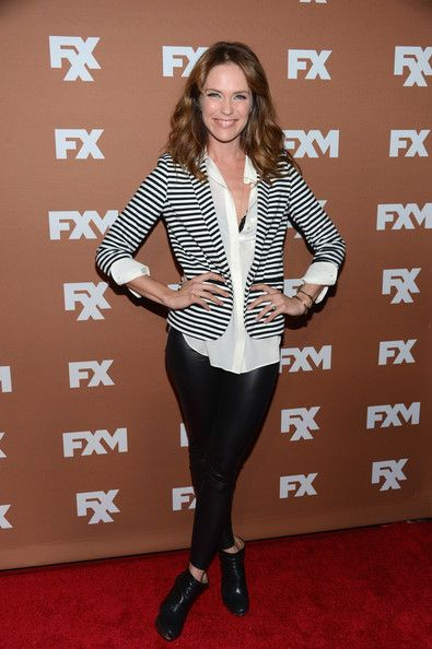Katie Aselton  leggings and blazer. ROCk N ROLL