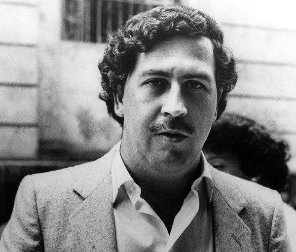 Colombian drug lord Pablo Escobar made so much money, he spent over $2,500 every month just on rubber bands to bundle up his stacks of cash.