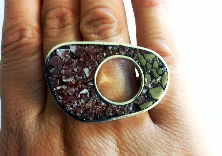anillo de plata , mosaico de marmol rojo vallenar y pirita