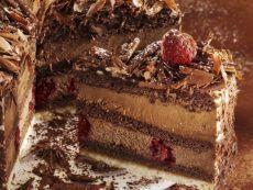 Бисквитный торт с малиновым ликёром «Шоколадный мусс»