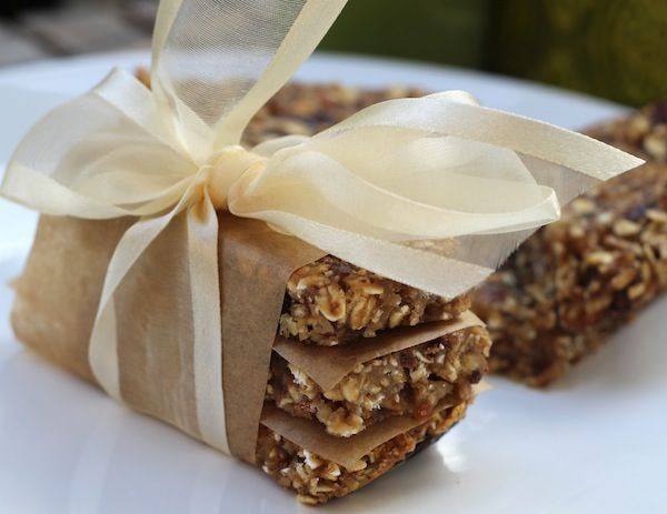 Healthy blueberry oat bars - These scrumptious, healthy bars are great for an afternoon snack at work, home or school, and are perfect for a late summer picnic...read moreContinue Reading...