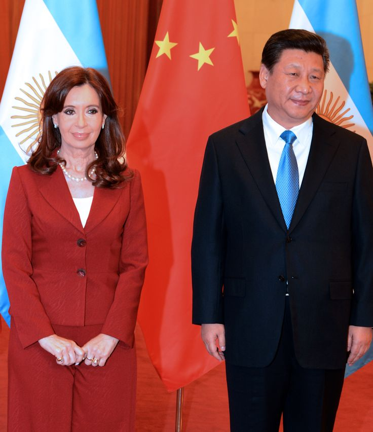 Cristina Fernández de Kirchner y Xi Jinping firmaron convenios de cooperación y suscribieron una declaración conjunta de Fortalecimiento de la Asociación Estratégica Integral -- http://www.cfkargentina.com/discurso-de-la-presidenta-cristina-kirchner-al-termino-de-la-firma-de-acuerdos-bilaterales-con-la-republica-popular-china/