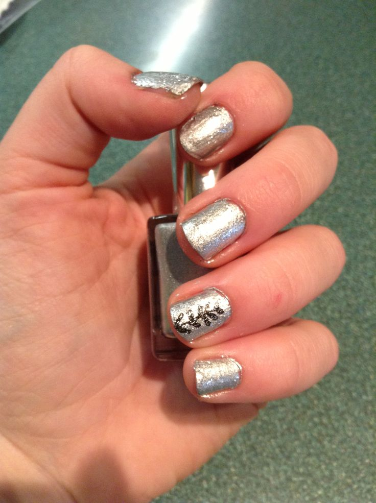 Percy Jackson inspired nails: Artemis Not sure whether to pin this in HOO or Nail Art board... I'd do both.. :)