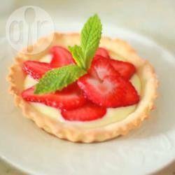 Creme de confeiteiro fácil - Creme de confeiteiro, ou crème pâtissière, super fácil de fazer, ótimo para usar em sonhos, doces de padaria ou em recheio de bolo.