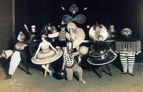 Costumes designed for Le Ballet Triadique by the multi-faceted, multi-disciplined Bauhaus artist, Oskar Schlemmer (1888-1943). via O-Morphi