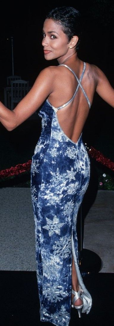 Halle Berry knows how to wear a dress.