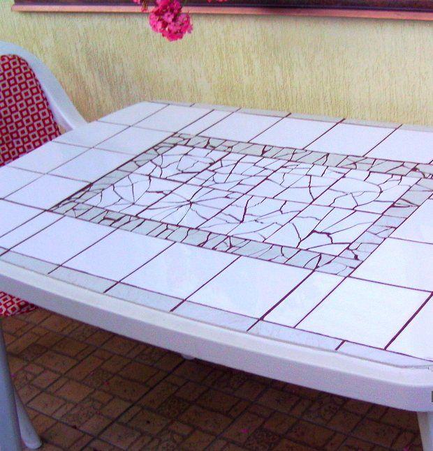Ötletmozaik - Csempével újulnak meg az asztalok