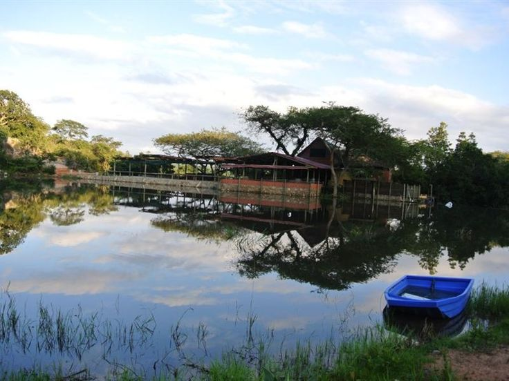 Alkmaar Farmstay - Alkmaar Farmstay is set in the heart of the Lowveld, in the Schagen Valley on the Maputo Corridor, 10 minutes from Nelspruit.  This tranquil homestead and chalet of well-travelled Johann and Wanda Sippel, ... #weekendgetaways #nelspruit #southafrica