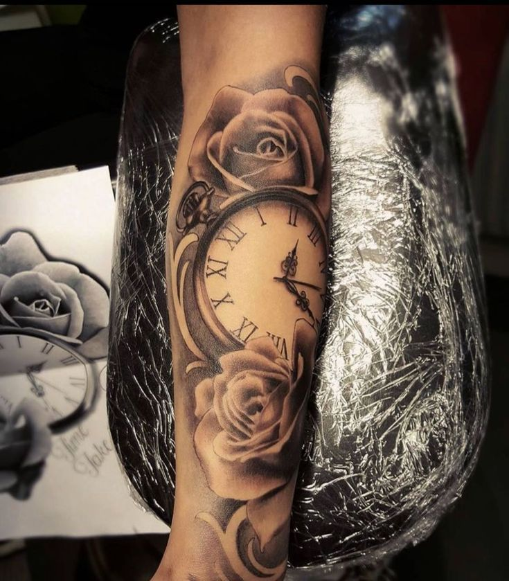 tattoo arm uhr