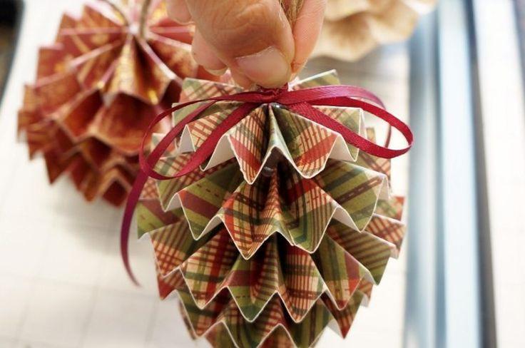 DIY Paper Christmas Ornaments Ribbon